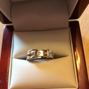 Jewelry - Silver cute buckle ring